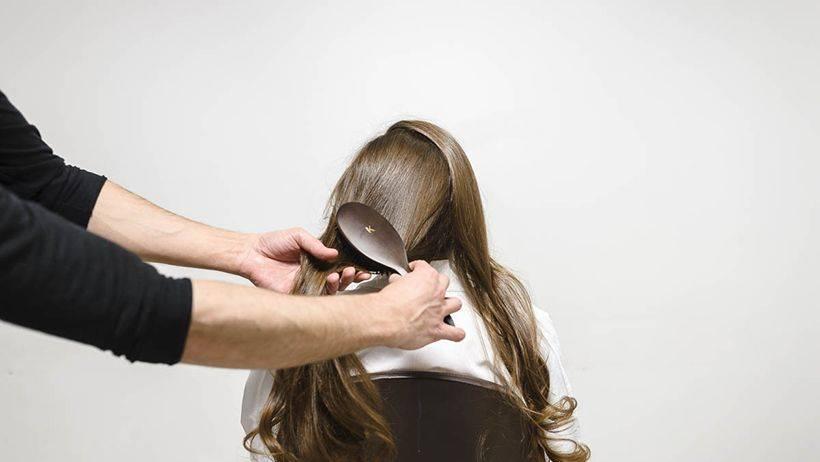 Φορμάρισμα Μαλλιών Με Πιστολάκι Για Όγκο  665c52a3069